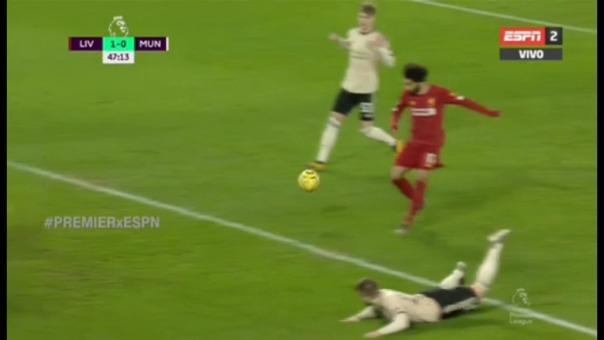 Mohamed Salah se pierde una gran ocasión de aumentar el marcador a favor del Liverpool ante Manchester United