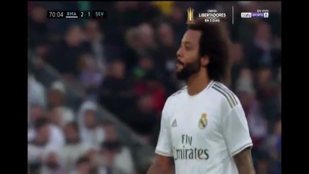 Marcelo no aguantó la reacción de los hinchas durante el encuentro ante el Sevilla.
