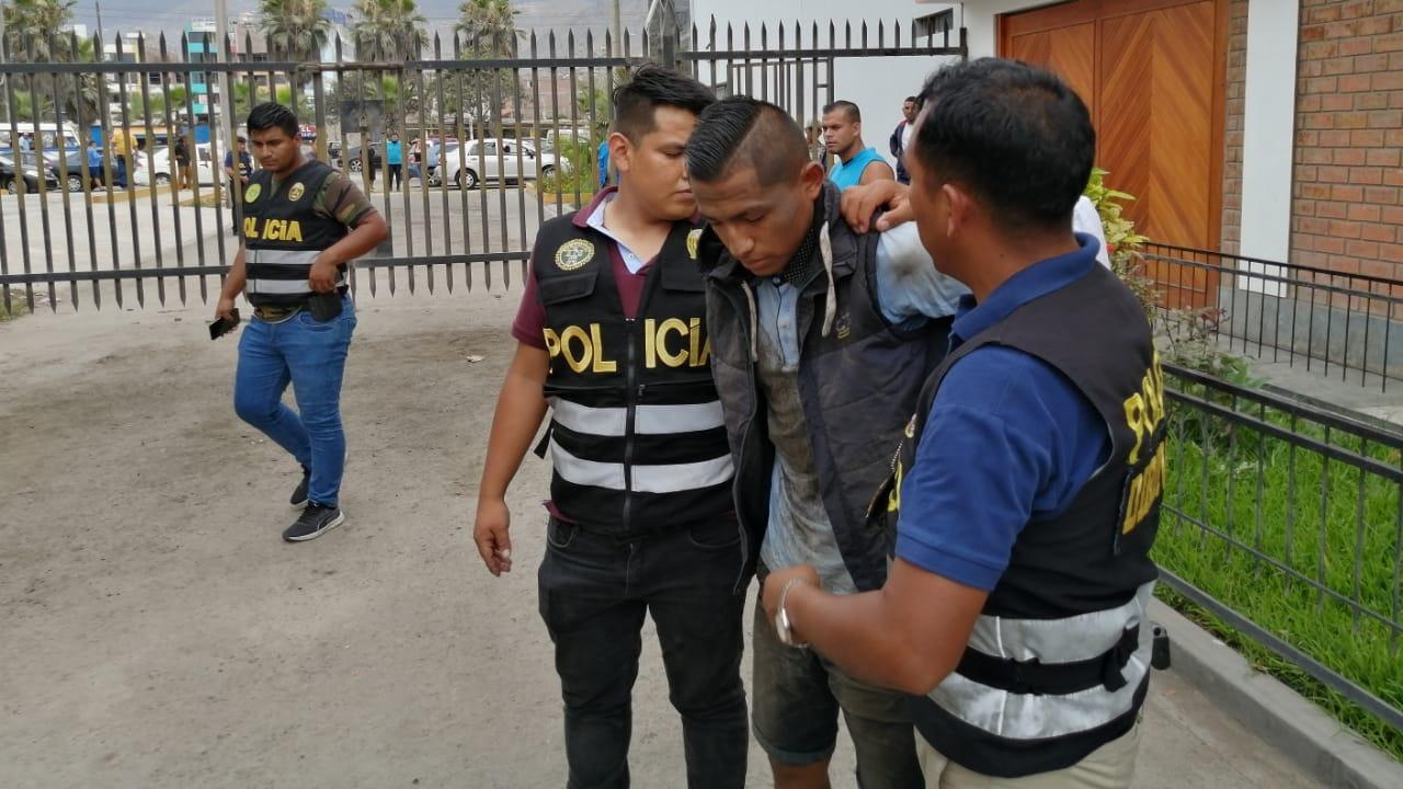 Tres delincuentes fueron detenidos tras asaltar un grifo en San Martín de Porres.