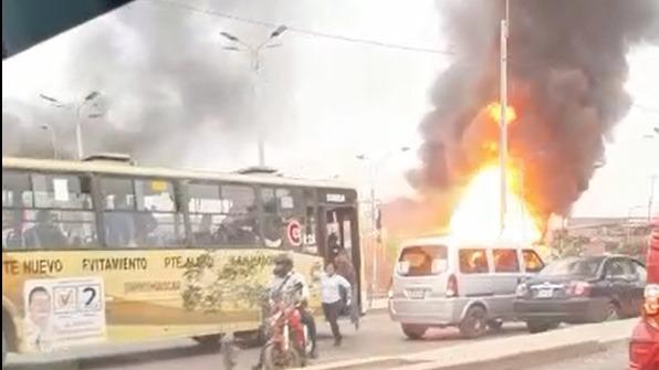 La fuga de gas provocó varias deflagraciones.