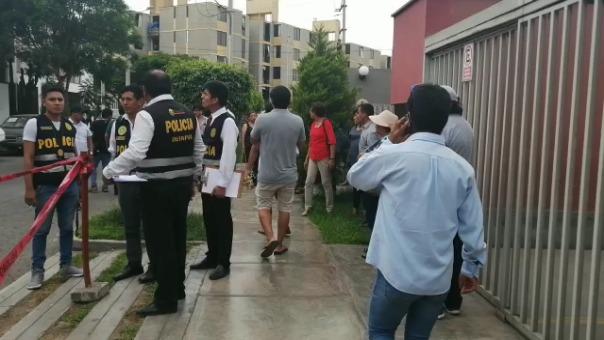 Efectivos de la Policía Nacional del Perú (PNP) se trasladaron a la zona donde ocurrió el crimen.