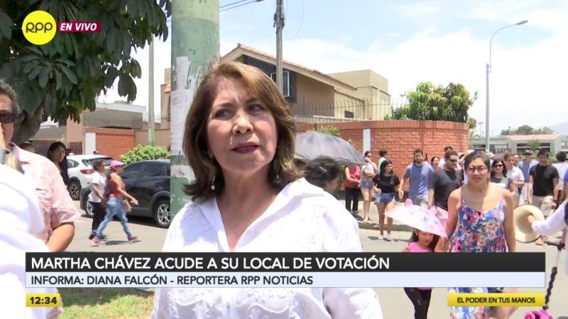 Martha Chávez denunció presuntas irregularidades en su cédula de votación.