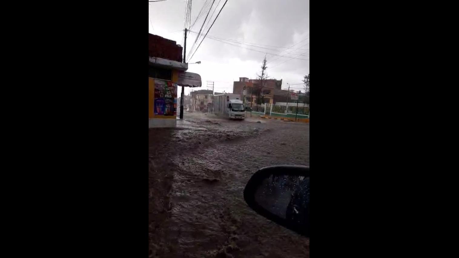 El agua empozada llegó a medir hasta dos metros en algunas zonas.