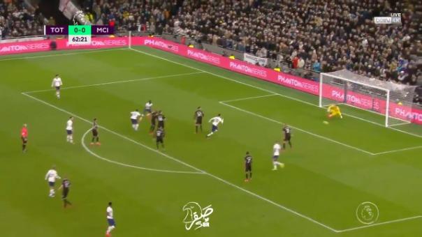 Así fue el gol de Steven Bergwijn frente al Manchester City.