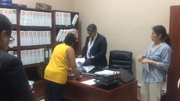 Fiscal Pérez dirigió esta mañana el allanamiento al local de Fuerza Popular.