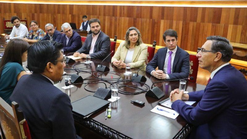 La reunión con el Partido Morado se prolongó por aproximadamente uno hora y 30 minutos.