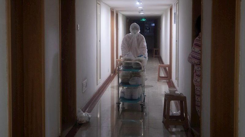 La Comisión Nacional de Sanidad de China está realizando seguimiento médico a 282.813 pacientes en contacto cercano con los infectados.