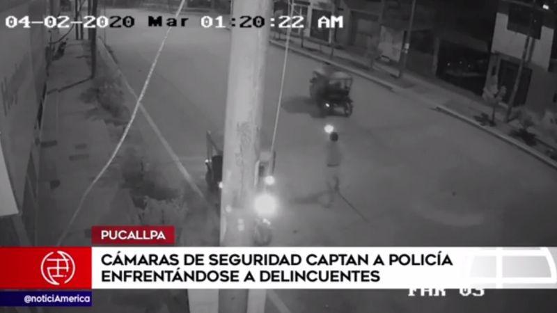 Cámaras de seguridad captaron el enfrentamiento del policía con los asaltantes.
