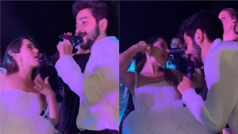 Los novios cantaron junto a los invitados a la ceremonia.
