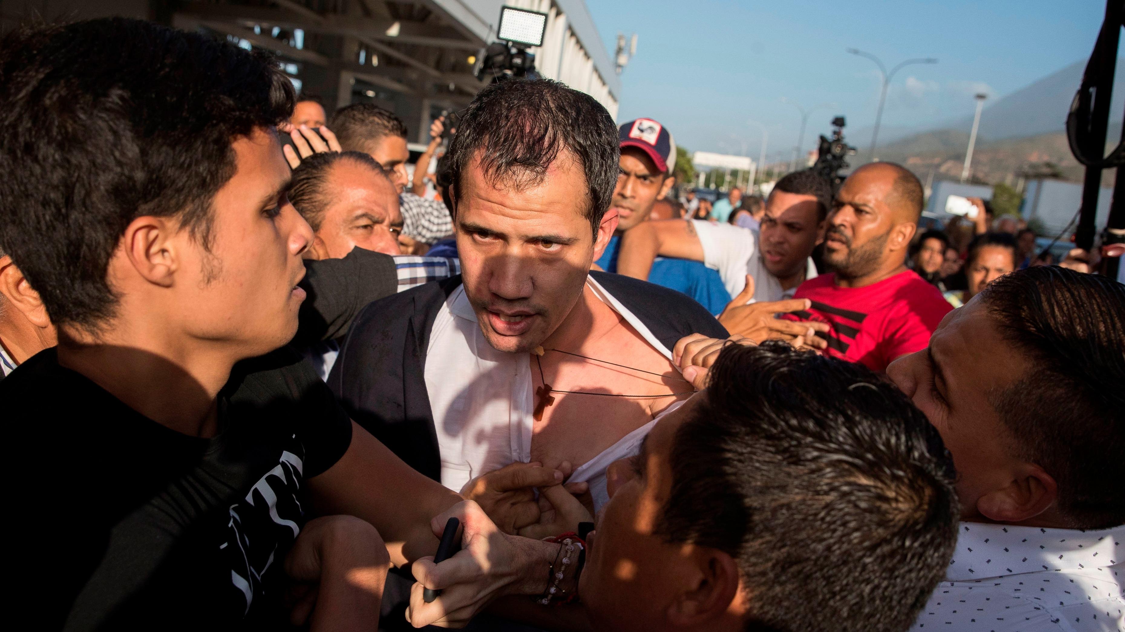 El líder opositor Juan Guaidó regresó este martes a Venezuela procedente de Portugal.