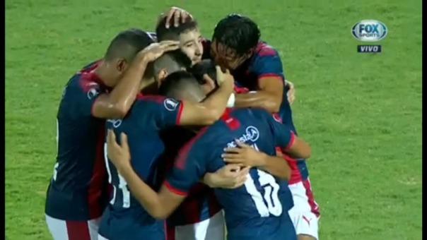 Cerro Porteño venció 1-0 a Universitario por la Copa Libertadores