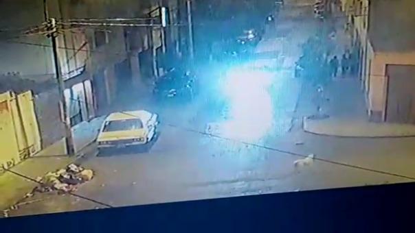 Imágenes del ataque captadas por una cámara de videovigilancia.