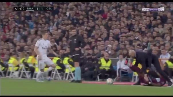 Así fue la 'falta' en contra de Zinedine Zidane.