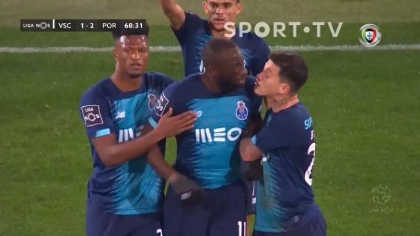 Moussa Marega sale de la cancha.