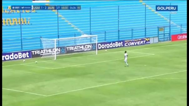 Jack Durán se falló un gol cantado.