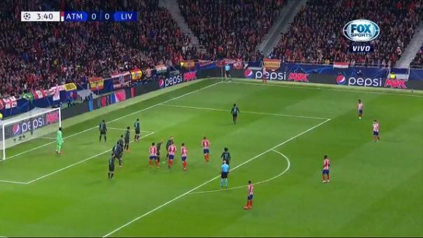 Así fue el gol de Saúl al Liverpool