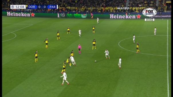 Así fue la dura entrada de Hummels sobre Mbappé.
