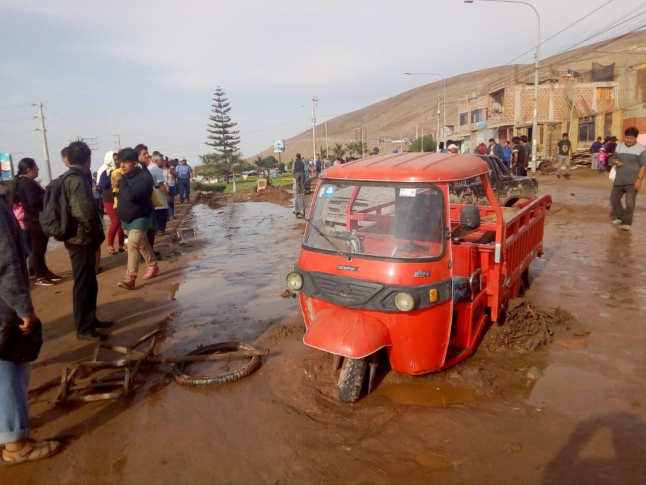 Una comitiva del Gobierno viajó esta mañana para apoyar la emergencia en la región Tacna.