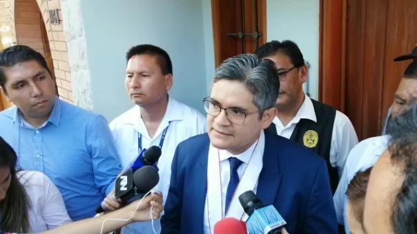 Pérez Gómez ante la prensa responde por conversación entre Barata y Cheesman