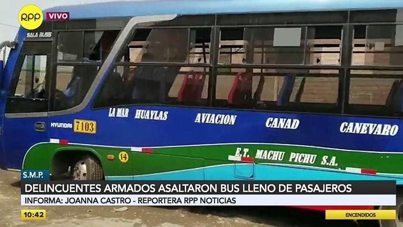 El asalto ocurrió a plena luz del día en el cruce de las avenidas Perú y Universitaria.