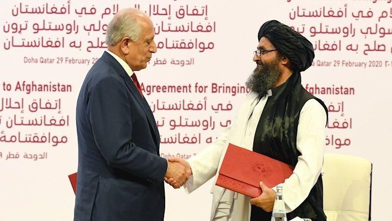 Estados Unidos y los talibanes firmaron la paz 19 años después.