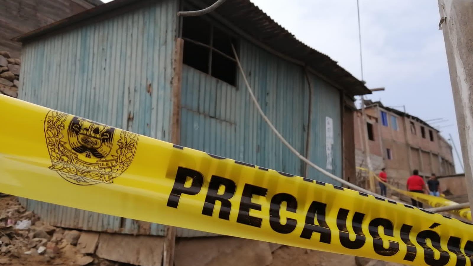 Dos viviendas acordonadas por la Policía Nacional del Perú para esclarecer la muerte de la niña de cuatro años en Independencia.