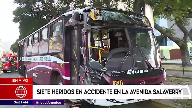 El accidente ocurrió frente al centro comercial Real Plaza Salaverry.