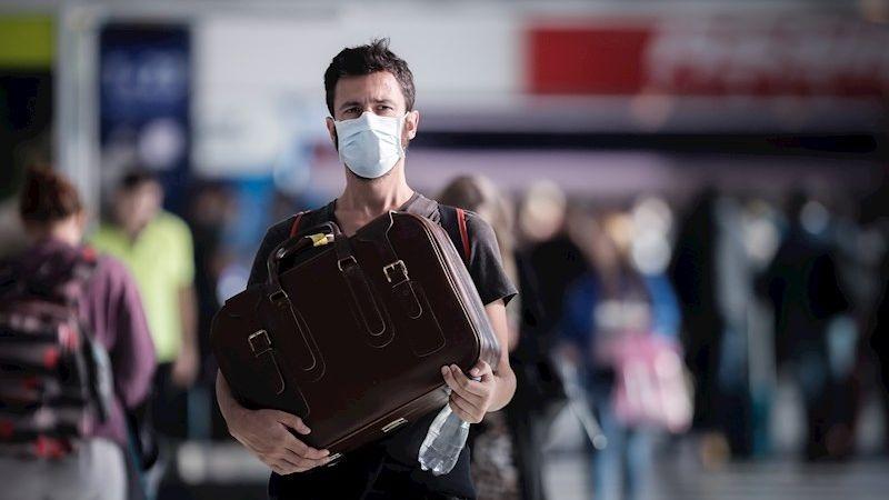 El Gobierno argentino anunció que iniciará restricciones aéreas por el nuevo coronavirus.