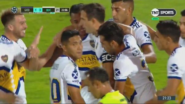 Así fue el golazo de Carlos Izquierdoz.