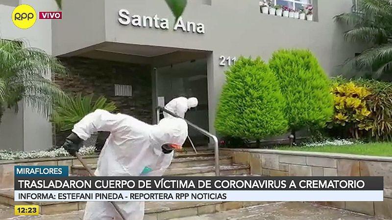 Personal de EsSalud realizó la limpieza de los exteriores del edificio Santa Ana.