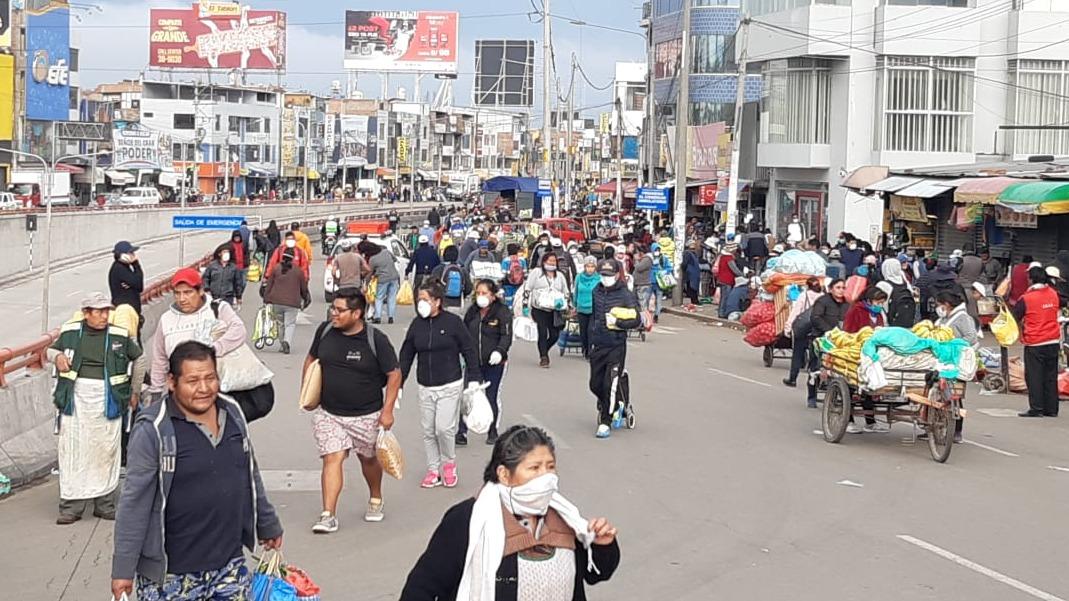 Estado de Emergencia | Coronavirus | Miles de personas acuden a ...