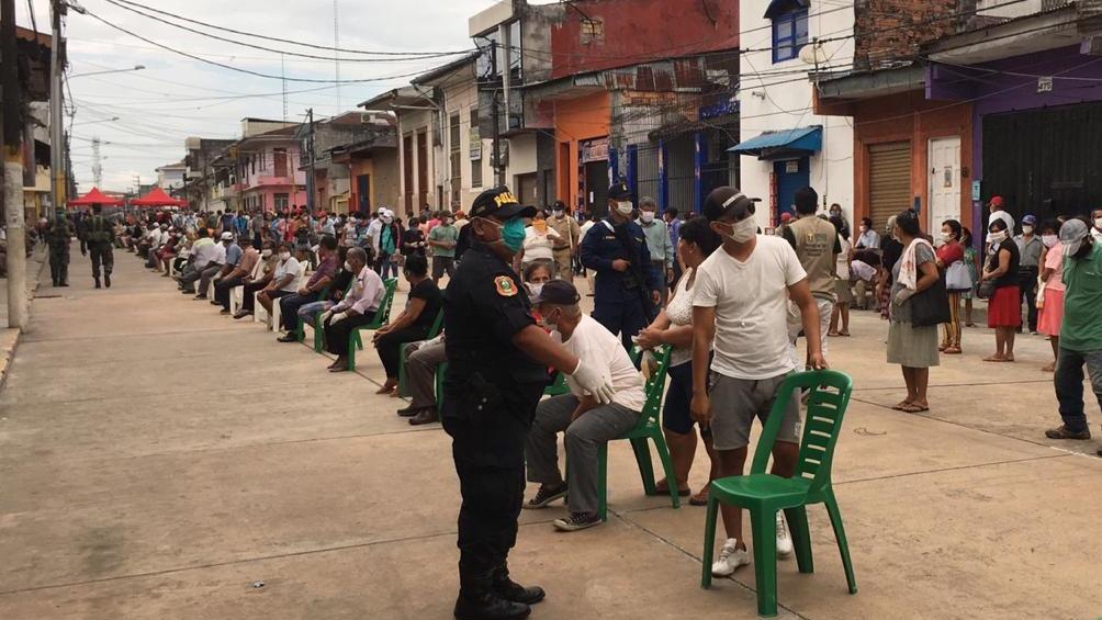 La policía y las Fuerzas Armadas se encargaron de orientar a los beneficiarios.