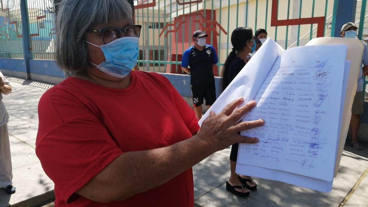 Regina Quispe Guerra, moradora del barrio Chicago, pide respeto y protección para los vecinos del sector.