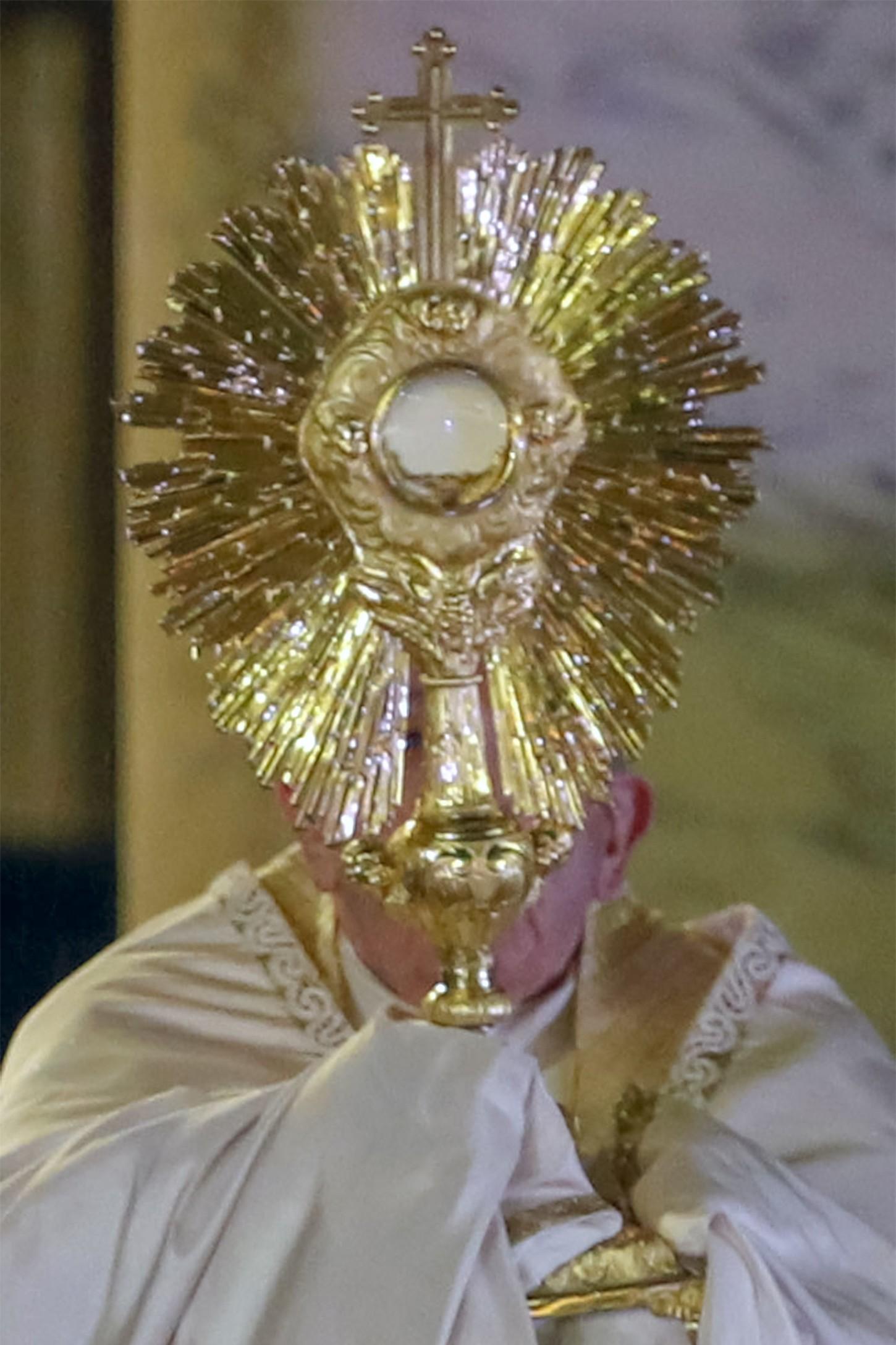 El líder religioso opinó que las personas han avanzado durante años sintiéndose