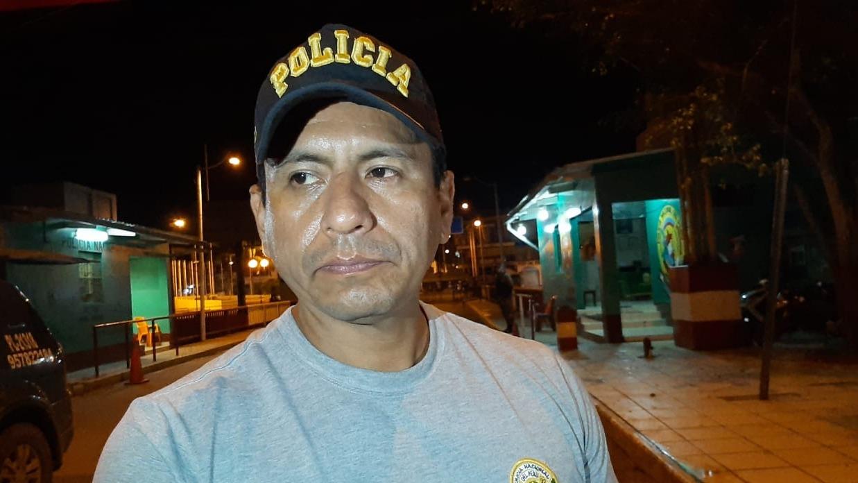 El comisario de la ciudad de Aguas Verdes, mayor Mario Bonilla Bello, fue  intervenido.