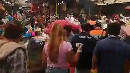 El mercado La Hermelinda recibe todos los días a unas mil 500 personas, a pesar de las restricciones.