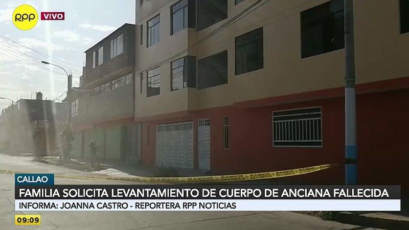 La mujer fallecida permanece en su casa en la urbanización Inresa, del Callao.