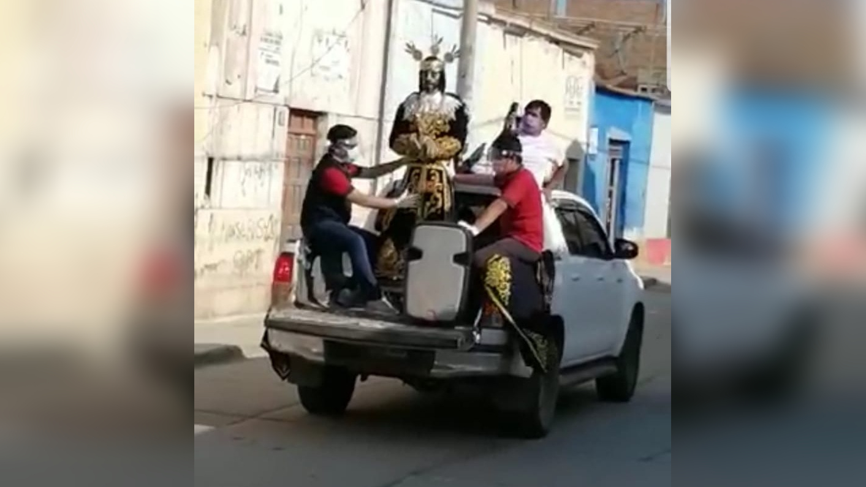 Jesús Nazareno Cautivo recorre calles de Monsefú