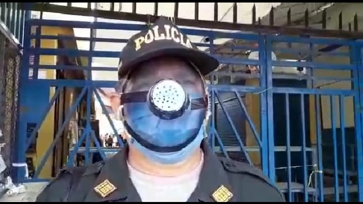 Ingeniosa manera de protegerse de la COVID-19