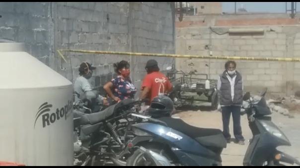 Dentro de la comisaría, algunos de los detenidos continuaron con la discusión.