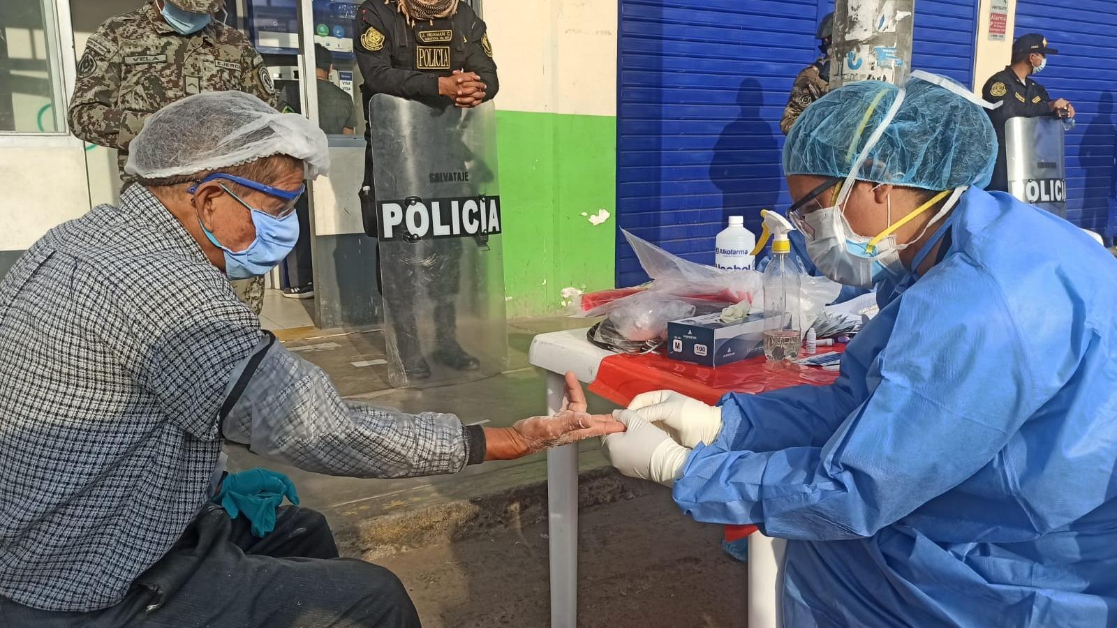 Ministerio de Salud realiza pruebas de descarte de COVID.
