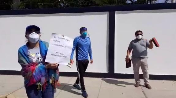 Protesta en el colegio Santa Angela