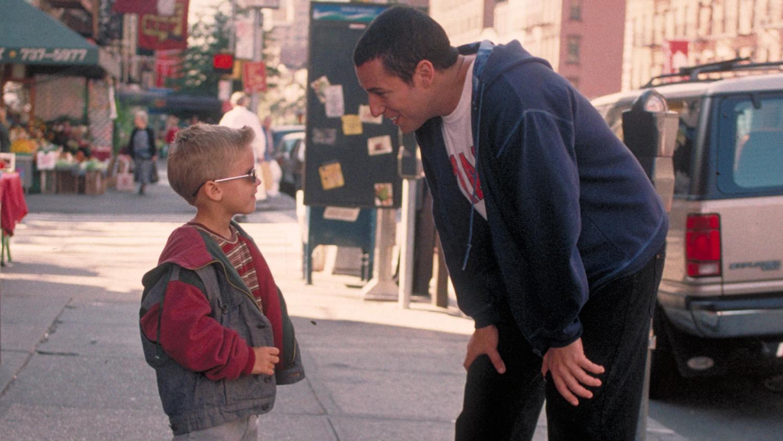 """""""Un papá genial"""". Estreno 1/6. Sonny Koufax es un treintañero irresponsable cuya novia lo deja. Para probar que no es inmaduro, adopta a un niño de 5 años."""