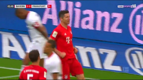 Gol de Robert Lewandowski al Eintracht