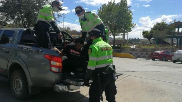 Los detenidos fueron trasladados a la comisaría y multados conforme a las normas.