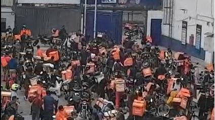 Video tomado desde arriba que muestra la dimensión de la aglomeración.