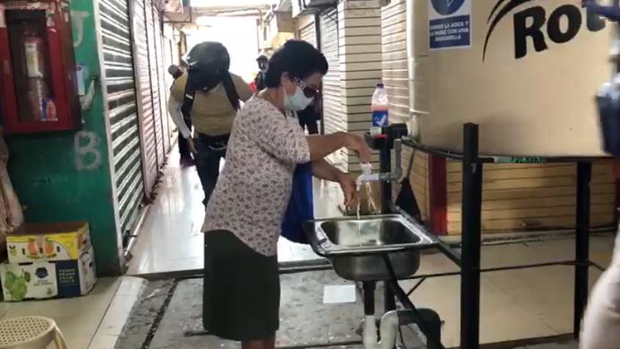 Se han implementado lavatorios para asearse las manos