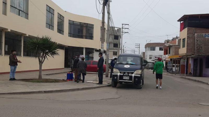 Los colectiveros informales han regresado a las calles.