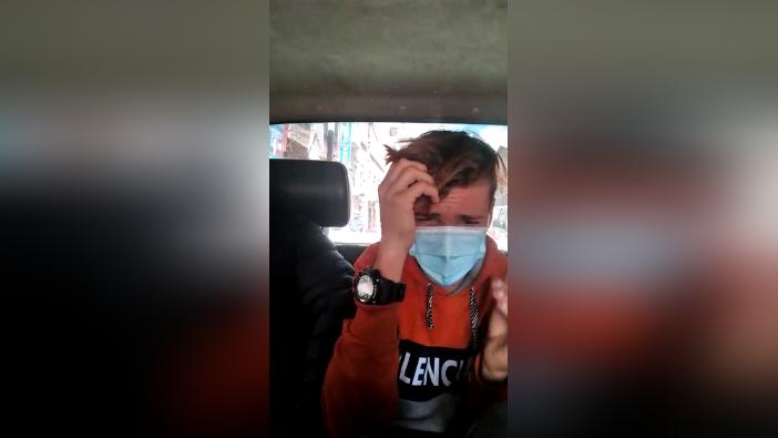 Ciudadano extranjero llora al ser detenido y dice estar arrepentido