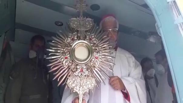 La Solemnidad del Corpus Christi fue celebrada desde el cielo llevando bendición a los hospitales de Trujillo.